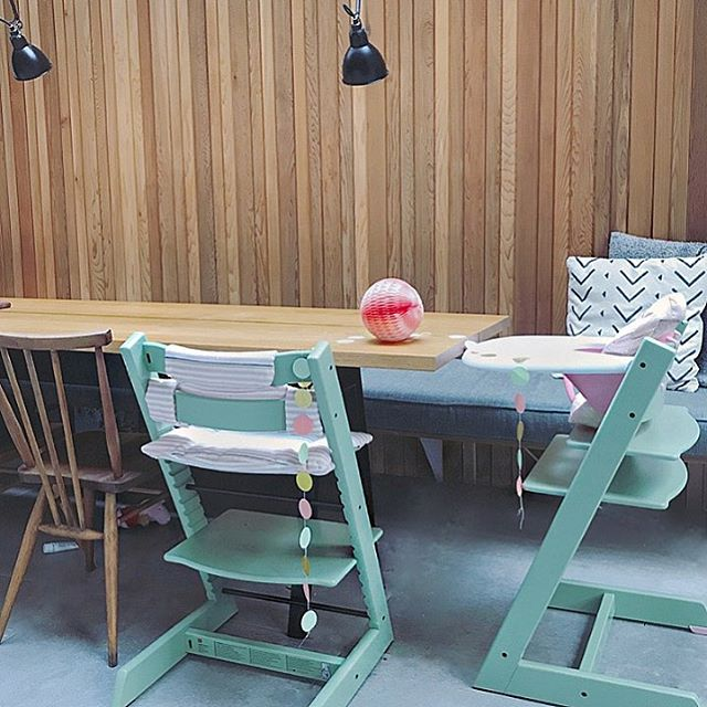 GIVEAWAY // ok this is a biggie. It's Tripp Trapp Tuesday.  I'm giving away an iconic customisable Tripp Trapp highchair from @stokkebaby. In fact I'm giving away three over the coming three weeks hooray. Choose the colour, configure it for your baby's age-stage, and even have their name etched into the back if you like (check my stories for what I sat on during my family food workshop at the Stokke UK concept store a week or so ago ⭐️). I've loved these chairs ever since I was first pregnant, and Stokke was kind enough to invite us to configure Tripp Trapps for both our girls to celebrate our littlest approaching the big 6-months🍴(I went tonal, matching, with a kick of pink. So many options. It's like NikeID for highchairs). The chair was originally designed in 1972 and has become a 20th century furniture design classic, made from sustainable Nordic wood and built to last a child from birth to adulthood by adding/removing parts and adjusting seat height.  The philosophy behind the chair is just as nice as the design story - it's all about bringing children to the family table from the very start (there's even a newborn cradle attachment for babies too young to eat). That philosophy fits perfectly with my approach to cooking...#onefamilyonemeal...go big early with flavour...and all that, and this competition is part of a bigger partnership between Stokke and Young Gums.  So. I'll be giving away a Tripp Trapp a week from now until Christmas so even if you don't win this week's prize there are two more up for grabs. I'll open a giveaway each Tuesday (4, 11, 18 Dec) and each week a winner will be picked 48hrs later. The winners will be invited to personalise a chair on Stokke.com (or at a design appointment at Stokke's concept store in Westfield Shepherd's Bush if that's convenient). All chairs will be delivered in time for Christmas so your babe could be eating their turkey dinner in a shiny new custom highchair🎄. To win, all you need to do is: ✅ like this post ✅ foll