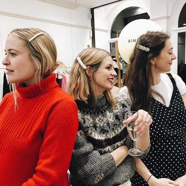 In good company last night shopping and chatting with the mums + dads (and so many bumps) at our festive event at @blake_wefew pop-up store.  Great place for a bit of Christmas shopping if you're in town between now and 23rd - lovely gift ideas for whole family (it's just opposite Selfridges). YG book in the window ⭐️ and we were surrounded by @binibamba sheepskin. HAVE YOU ENTERED THE COMPETITION TO WIN ONE YET? Get involved on my previous post. 🐑🎄