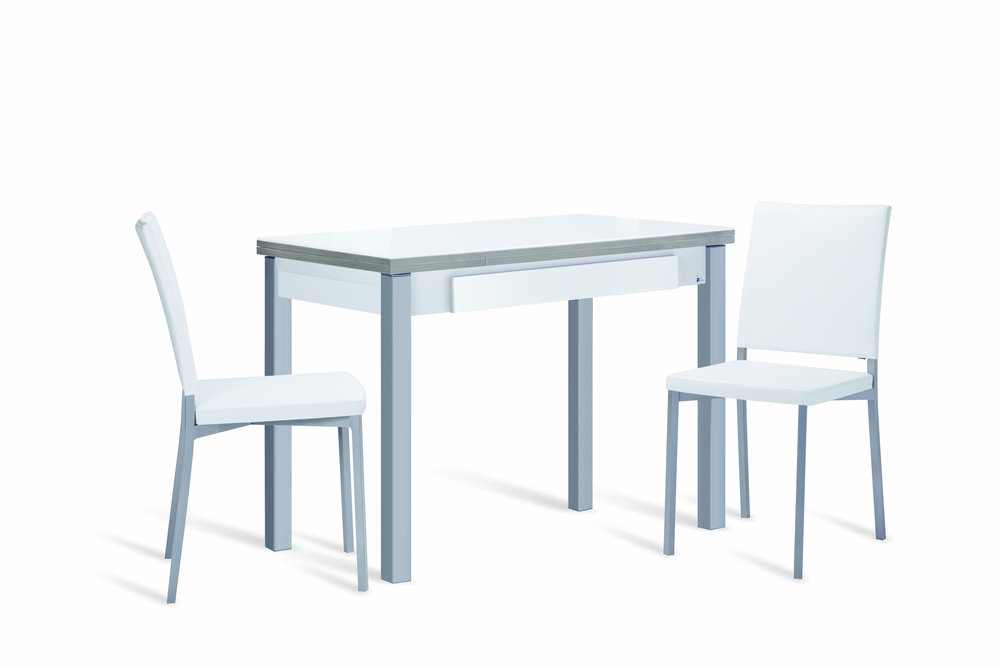 Mesa HARMONIA e cadeiras CANELA