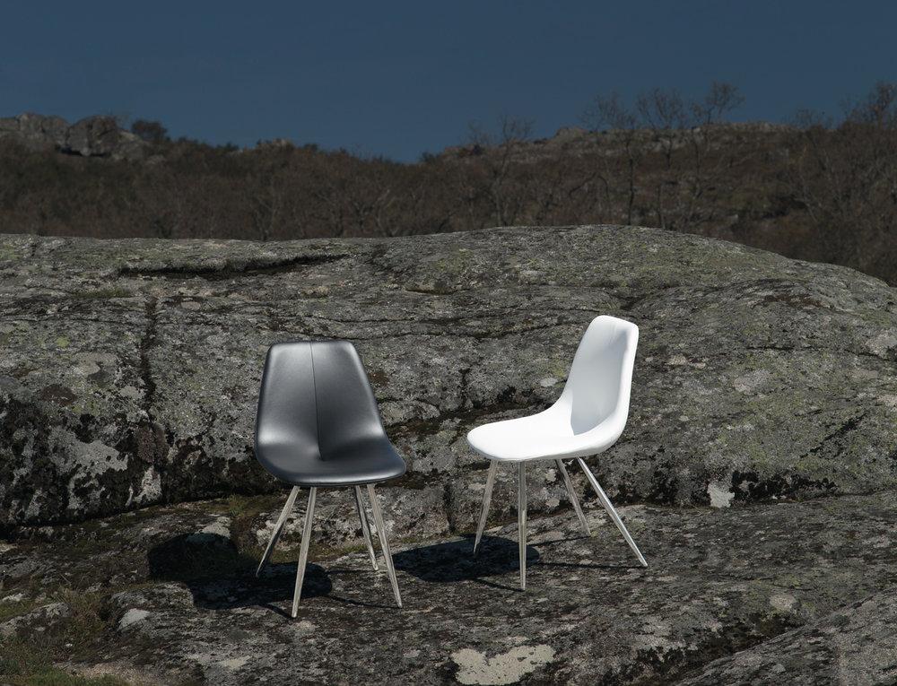 Pluma - Quando a robustez e intemporalidade do aço inoxidável chega às cadeiras, com um desenho único e irreverente, o resultado é este modelo que elevará a sua cozinha a outro nível...
