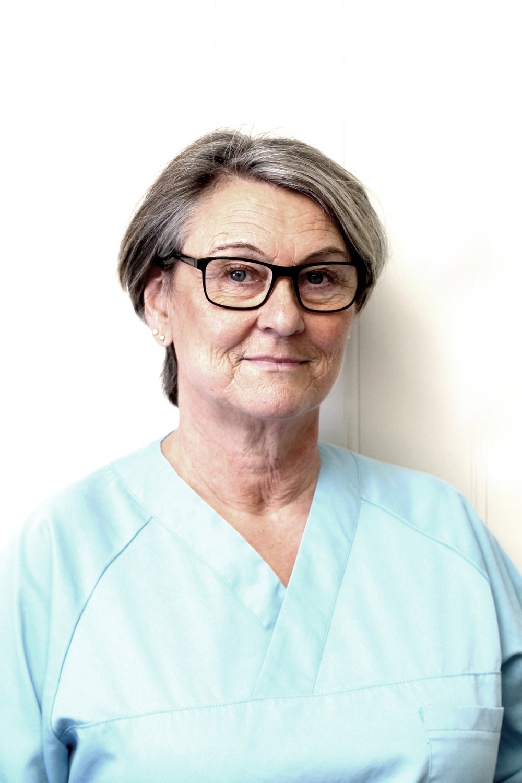 Tannhelsesekretær Laila Markussen   Laila er utdannet tannhelsesekretær, og har jobbet her på kontoret siden 2010.
