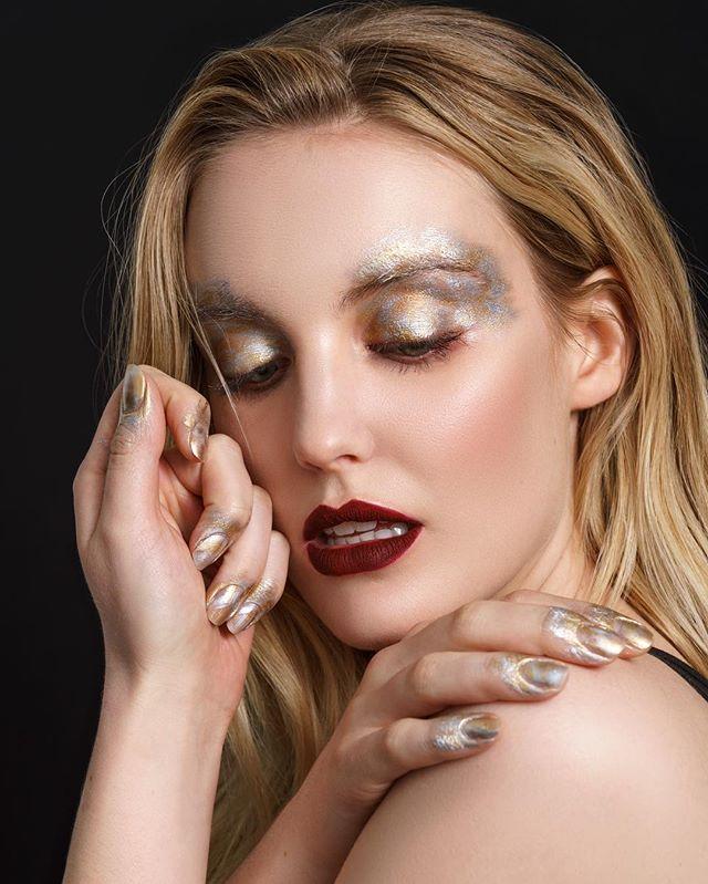 All metal look using @mehronmakeup - Model @caseymcsherry Makeup by me @beautybycnh #model #photoshoot #avantgarde #avantgardemakeup #makeup #makeupartist #makeupartistnyc #newyorkmakeupartist #nymakeupartist #mua #muanyc #editorial #editorialmakeup #metalmakeup #gold #silver #redlips #mehron #mehronmakeup #photooftheday #bestoftheday