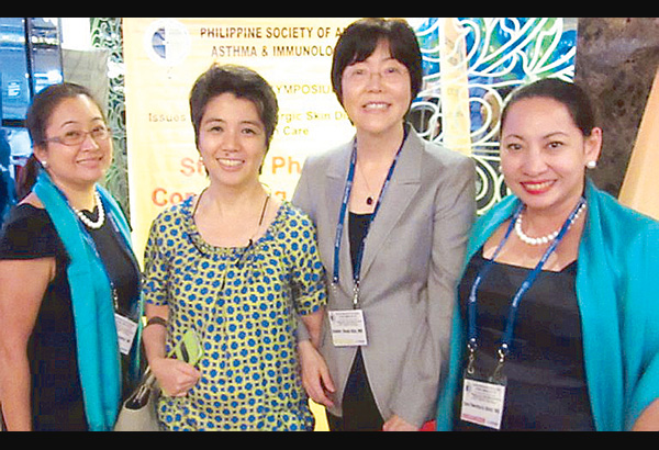 Dr Joanne Kwak-Kim (2nd from right), director of reproductive medicine of the Chicago Medical School of  Rosalind Franklin University of Medicine and Science