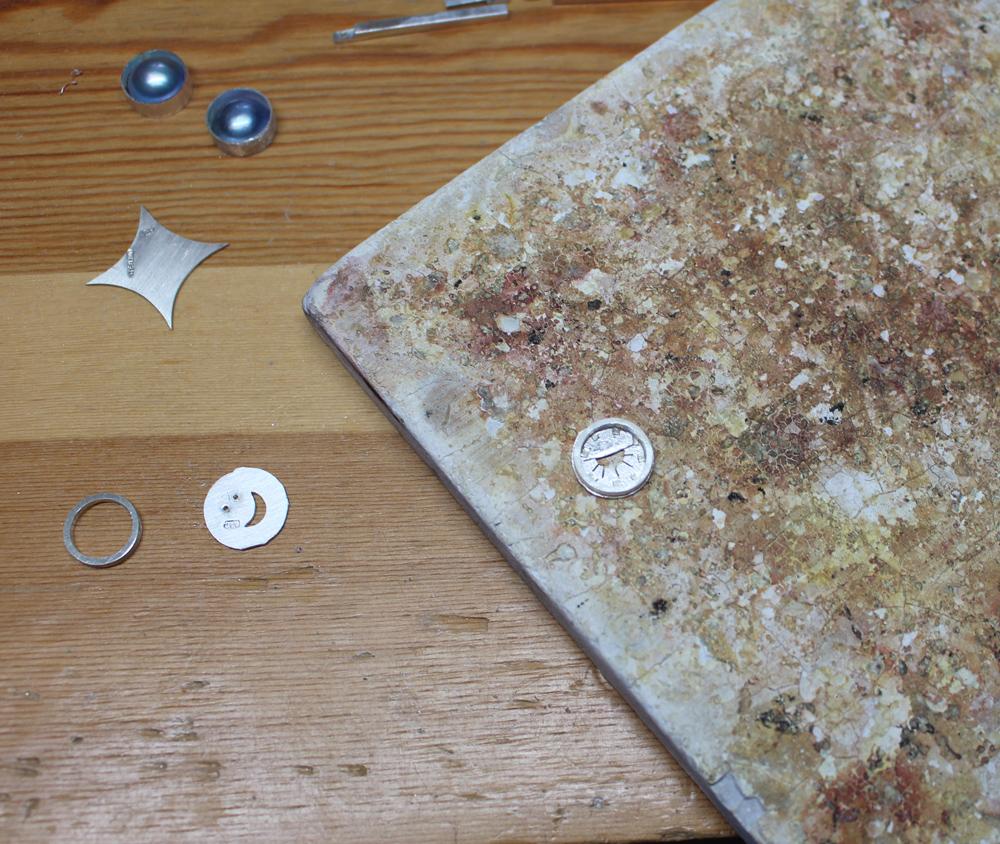 Set up 2 for soldering bottom form of earring 1-31-19.jpg