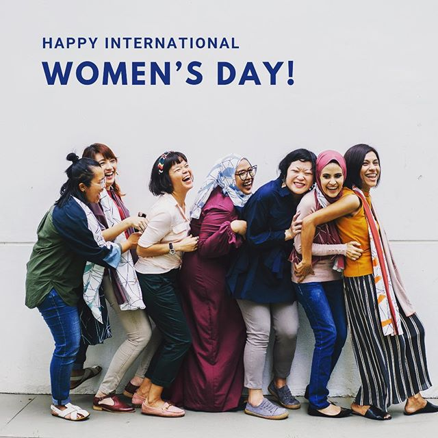 Today, we celebrate ALL women and their rights. Take a moment to reflect on your impact and lift up a fellow woman. Empower. Listen. Advocate. 💪🏼💪🏽💪🏾💪🏿 . . . #internationalwomensday #internationalwomensday2019 #empoweringwomen #advocate #listen #wellness #mentalhealthawareness #cincinnati