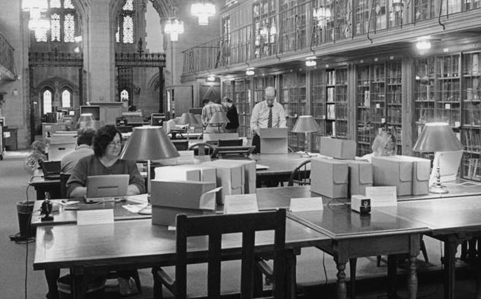 Mary Dillman, selbstständige Seth-Forscherin in der Sterling Memorial Library der Uni Yale