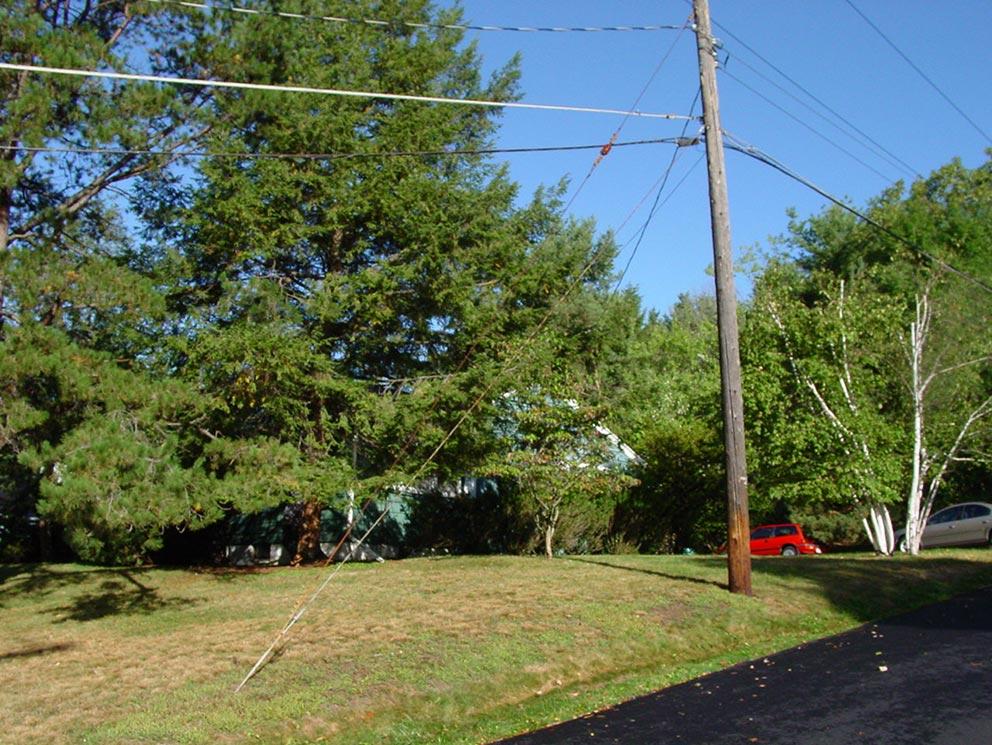 - Das Hill House - oder Hügel-Haus - an der Pinnacle Road. Nach Robs Tod ging das Haus an seine zweite Frau, die es verkaufte. Heute steht dort ein Neubau.