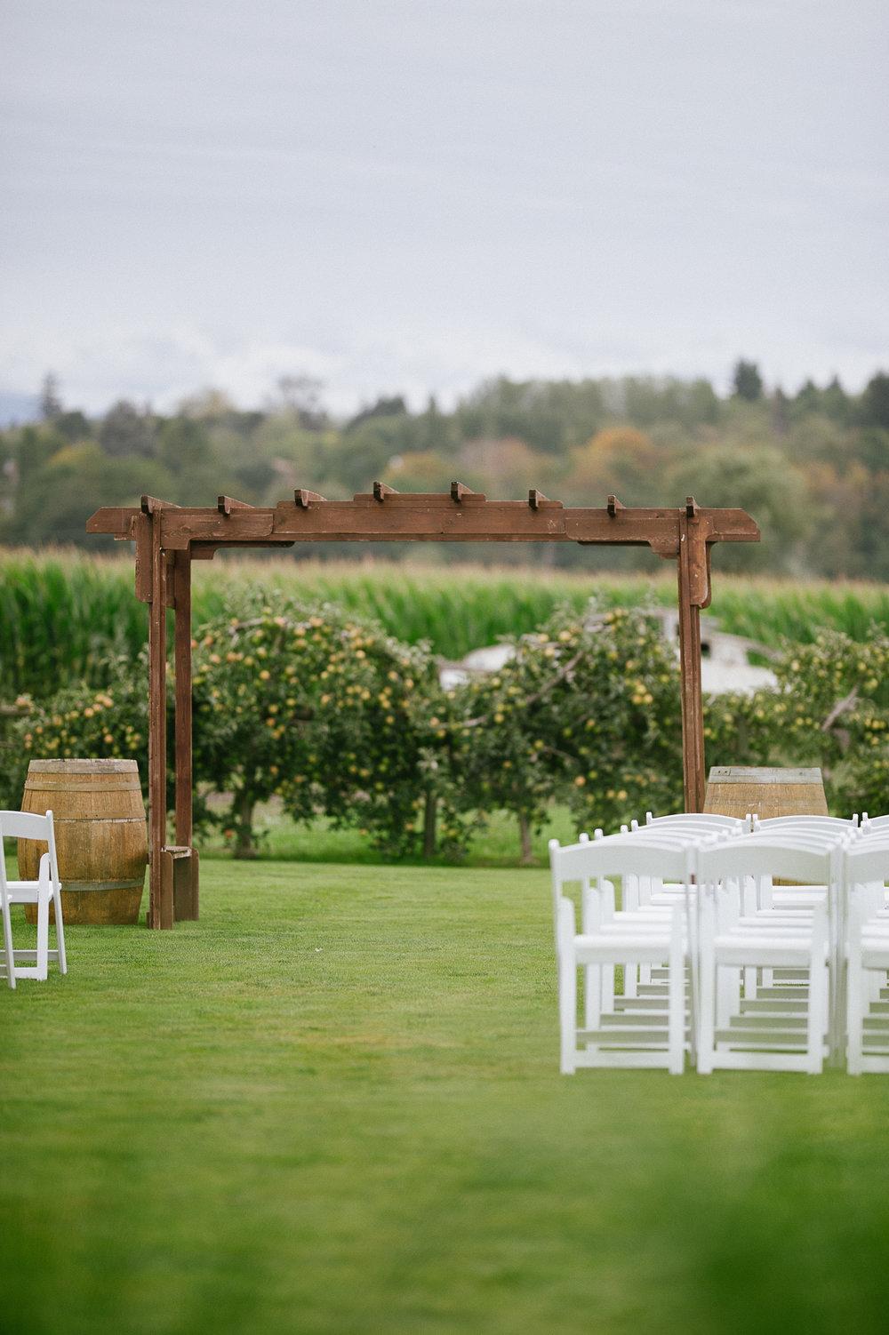 Swan Trail Farm Wedding_Sarah Schurman + Brian Skadan_Snohomish Wedding_Kelsey Lane Photography-5533.jpg