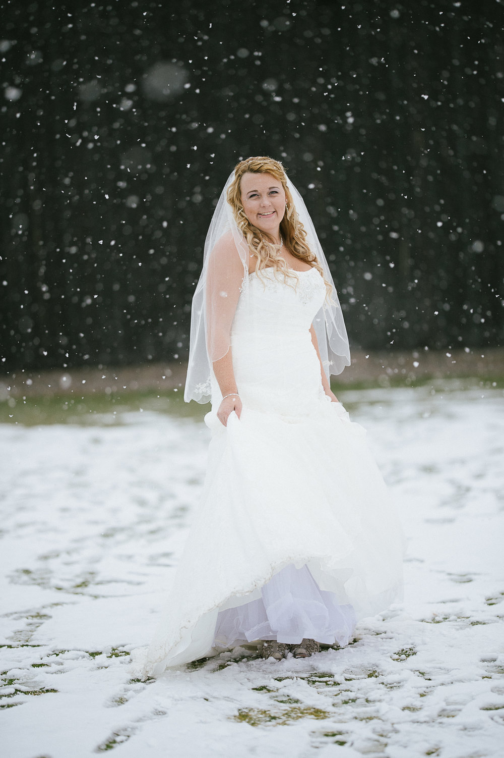 Winter Montana Wedding_Leighanne Parker + Ethan Ramos_Kelsey Lane Photography-8084.jpg