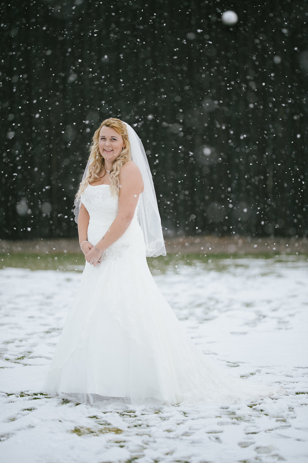 Winter Montana Wedding_Leighanne Parker + Ethan Ramos_Kelsey Lane Photography-8078.jpg