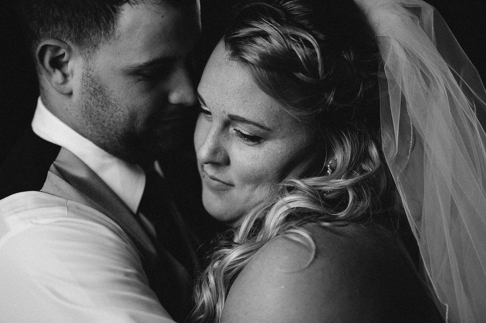 Winter Montana Wedding_Leighanne Parker + Ethan Ramos_Kelsey Lane Photography-8032.jpg