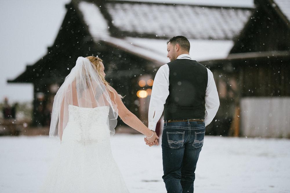 Winter Montana Wedding_Leighanne Parker + Ethan Ramos_Kelsey Lane Photography-8145.jpg