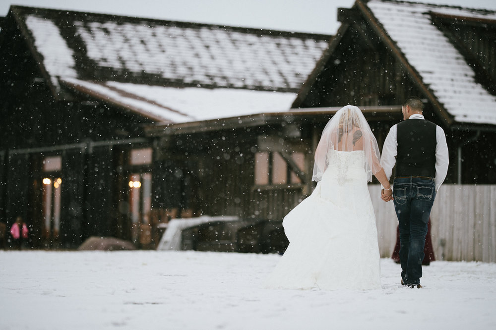 Winter Montana Wedding_Leighanne Parker + Ethan Ramos_Kelsey Lane Photography-8156.jpg
