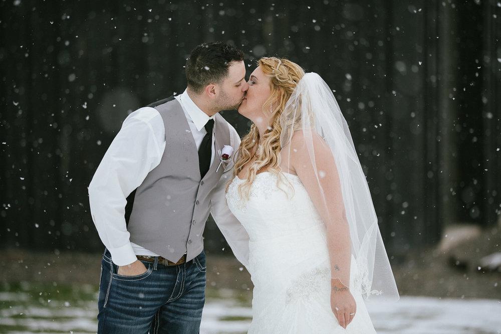 Winter Montana Wedding_Leighanne Parker + Ethan Ramos_Kelsey Lane Photography-8095.jpg