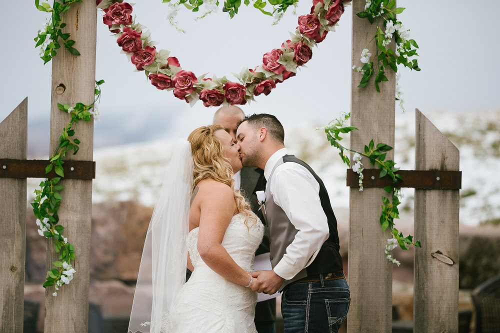 Winter Montana Wedding_Leighanne Parker + Ethan Ramos_Kelsey Lane Photography-7975.jpg