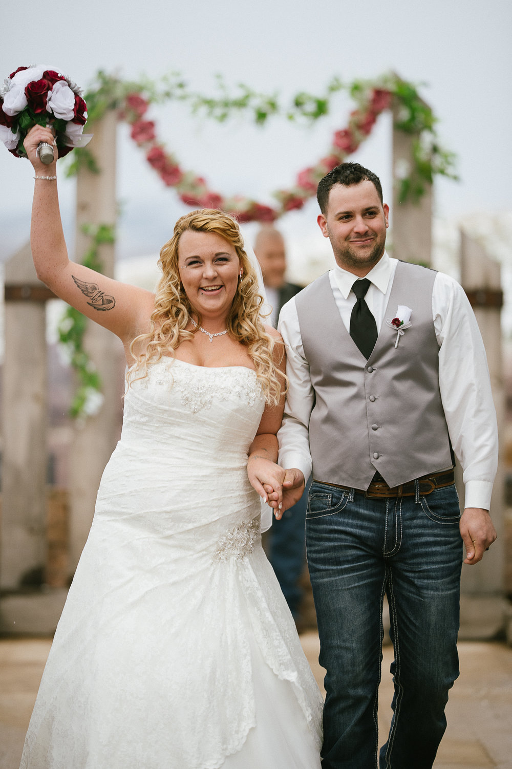 Winter Montana Wedding_Leighanne Parker + Ethan Ramos_Kelsey Lane Photography-8004.jpg