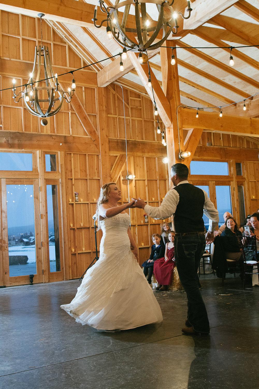 Winter Montana Wedding_Leighanne Parker + Ethan Ramos_Kelsey Lane Photography-7559.jpg