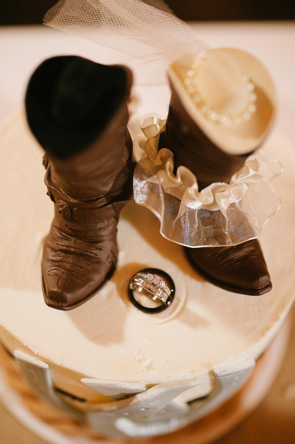 Winter Montana Wedding_Leighanne Parker + Ethan Ramos_Kelsey Lane Photography-8431.jpg