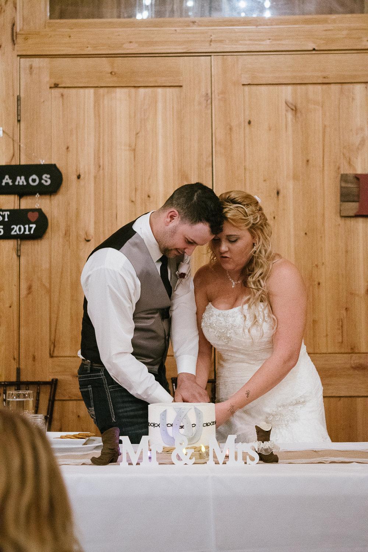 Winter Montana Wedding_Leighanne Parker + Ethan Ramos_Kelsey Lane Photography-7617.jpg