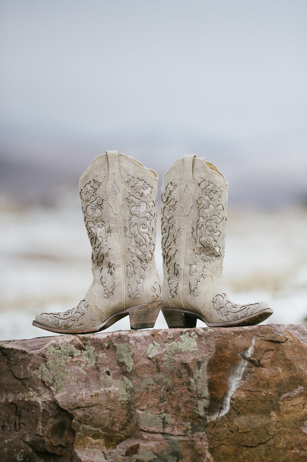 Winter Montana Wedding_Leighanne Parker + Ethan Ramos_Kelsey Lane Photography-7741.jpg