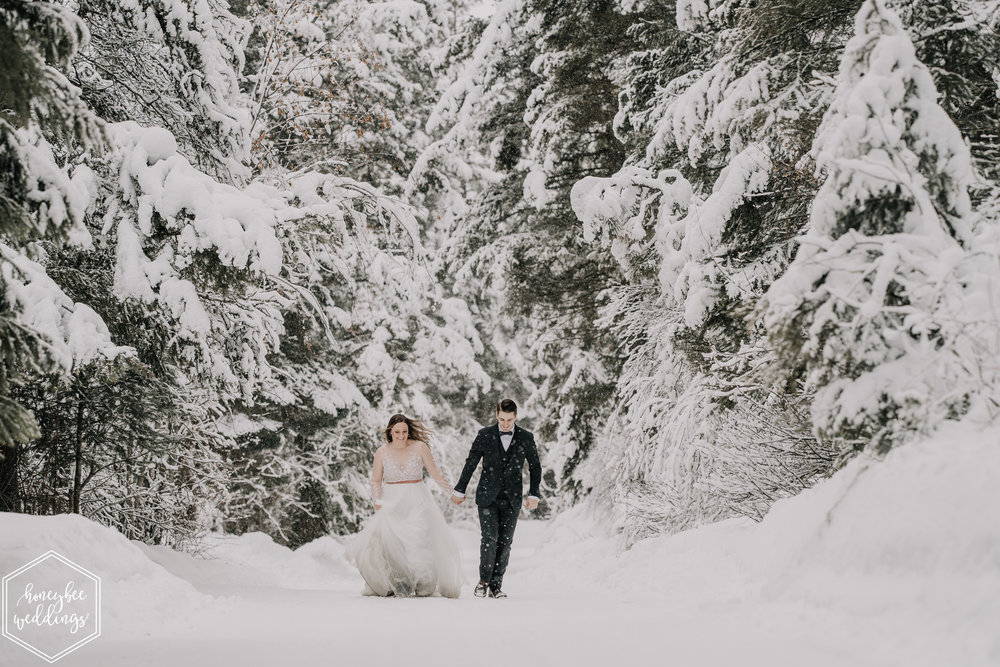 0389Montana Wedding Photographer_Missoula Winter Wedding_Wedding at Fort Missoula_Meri & Carter_January 21, 2019-191.jpg