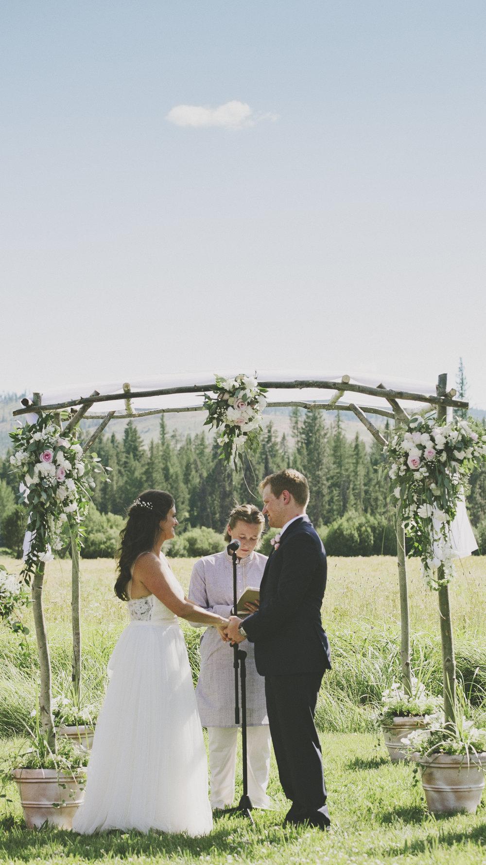 Chloe Hurwitz + Kiefer Martin Wedding_Grey Wolf Ranch_Kelsey Lane Photography1609 copy.jpg