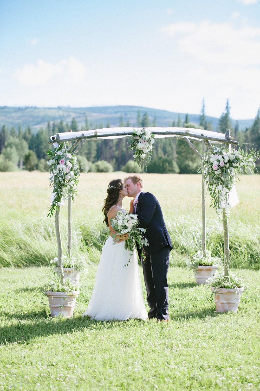 Chloe Hurwitz + Kiefer Martin Wedding_Grey Wolf Ranch_Kelsey Lane Photography1896.jpg