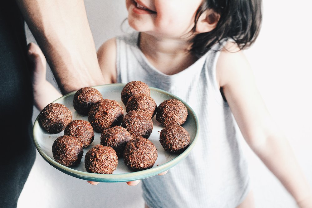 Grain-free Cocoa and Almond Energy Balls - Recipe - Grain-free, Gluten-free and Sugar-free - Low Carb, Paleo and Keto - Fit Chick Bakery