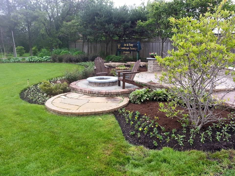 Lawn care service in Northbrook, Glenview, IL