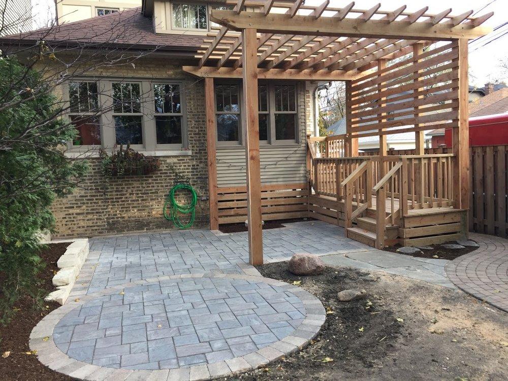 Patio designs, patio pavers maintenance by landscape contractors in Glenview, IL
