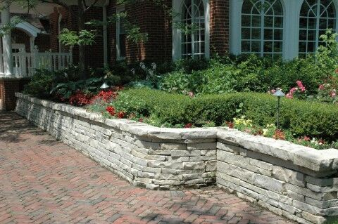 Add Functionality to Your Wilmette, IL, Backyard with Retaining Walls
