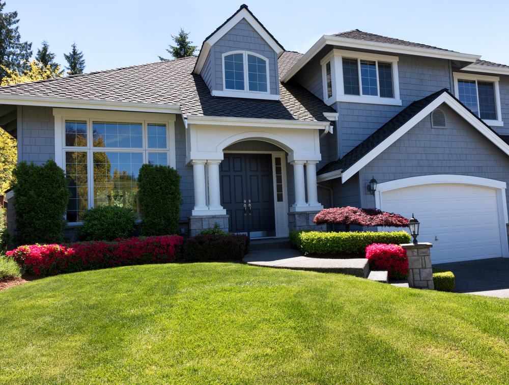 Important Reasons to Start Your Buffalo Grove, IL, Lawn Care Service Early in the Season
