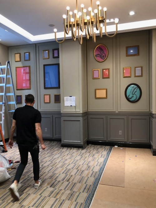 Installing at The Marriott Fairfield Parker Hotel - in Philly yesterday.  Hunt Slonem, Supermaker: Tim Hochstetter both  in the secure hands of Atelier - so much fun.