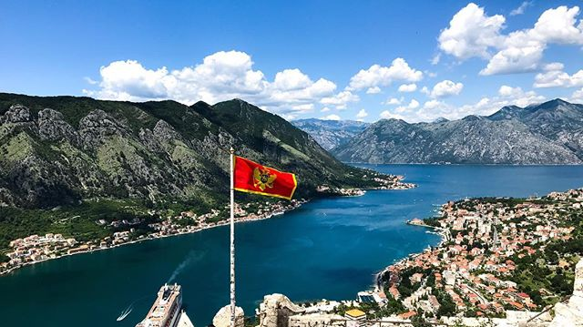 The view from St. John's Fortress in Kotor, Montenegro is out of this world 🇲🇪