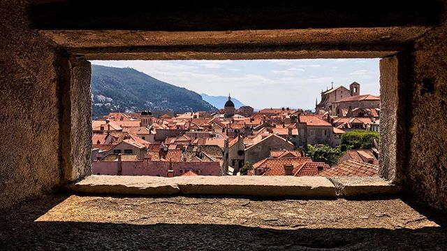 If you're a Game of Thrones fan, Dubrovnik, Croatia is the place to go. Many of the show's filming locations are within this walled medieval city. In fact, if you are a history or fantasy enthusiast in general, this old town is sure to spark your imagination ✨ The best way to admire Dubrovnik is from above, up on the city walls.