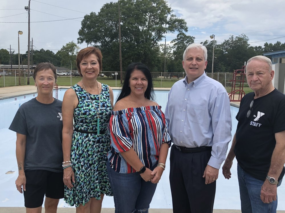 Bogalusa YMCA GRant. Pictured from the left: Toni St. Philip, Program Director, Bogalusa YMCA, Joannie Miller, Advisory Committee Member, Fund for Bogalusa, Elizabeth Roberts, Advisory Committee Member, Fund for Bogalusa, Ryan Seal, Advisory Committee Member and Stuart Parker, CEO, Bogalusa YMCA.