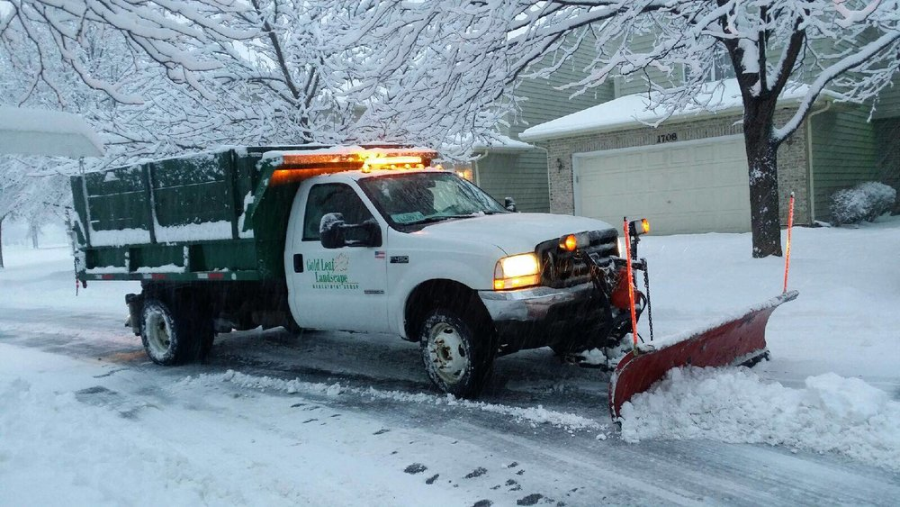 Commercial snow removal truck in Oak Brook, IL
