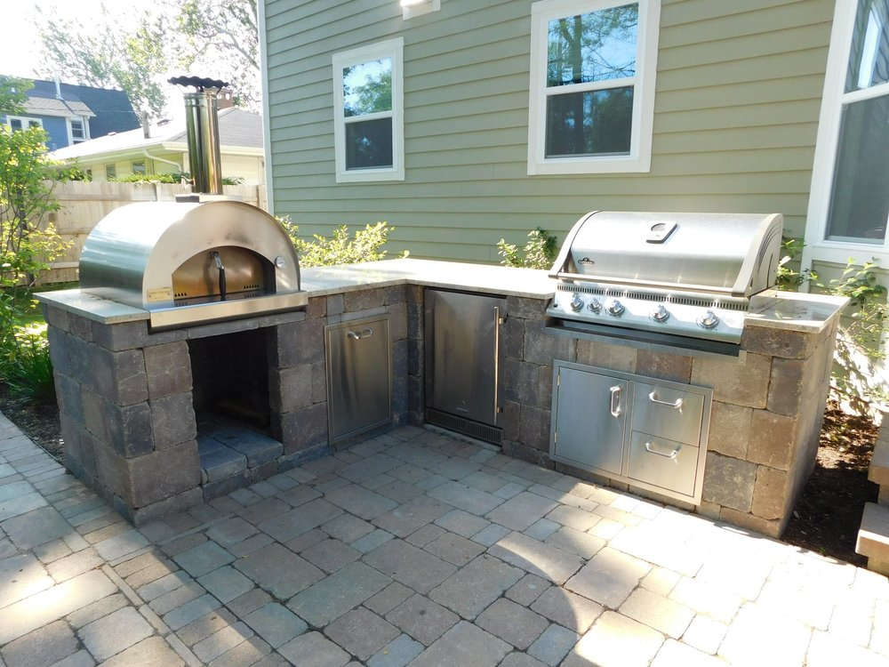 Renovated outdoor kitchen in Oswego, IL