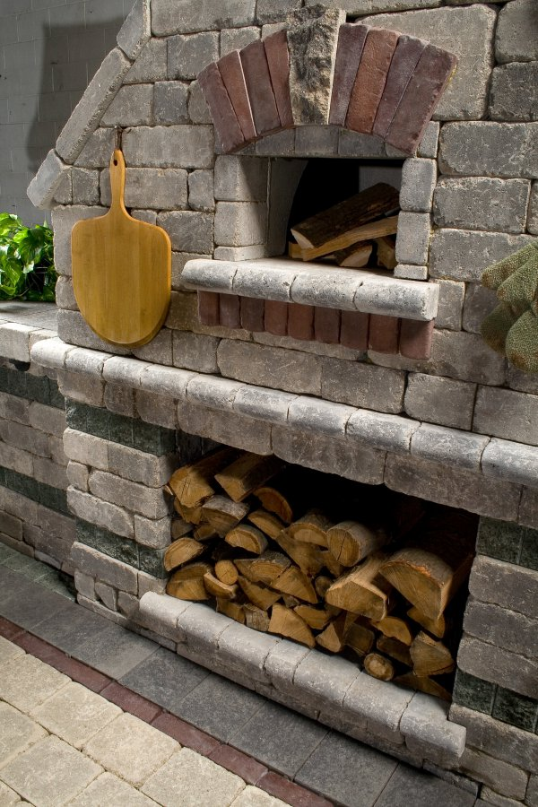 Incorporating a Pizza Oven into Your Plainfield, IL, Outdoor Kitchen