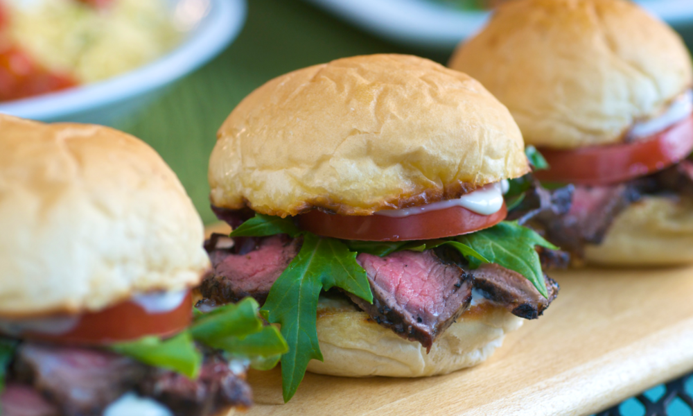 mini-steak-sandwiches-with-horseradish-and-to.png