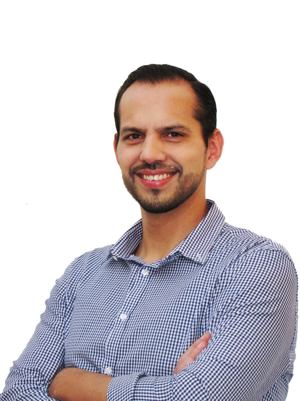 Andrés Briseño_fondo blanco.jpg