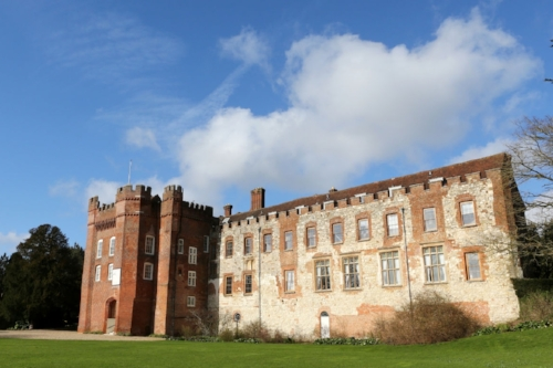 Chauffeur to Farnham Castle
