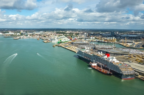 Executive car to Southampton Port
