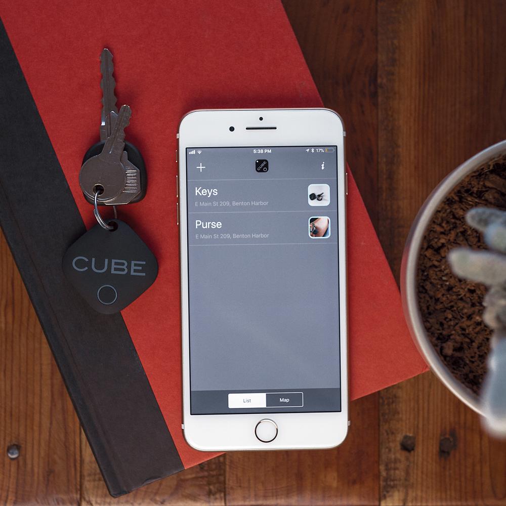 2. Faça um ping, encontre - Ping Cube via Bluetooth do seu celular para fazê-lo tocar.