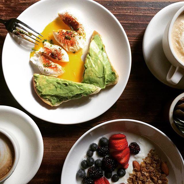 #avocadotoast #irisgranola #coffee #brunch #brooklyn #brooklynheights #nyc #iriscafenyc