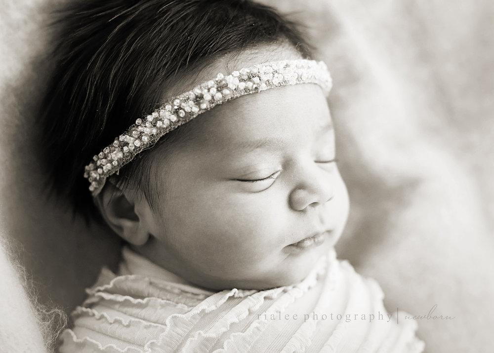 newbornphotosfargo.jpg