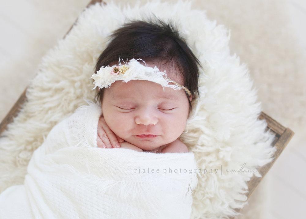 newbornphotographerinfargo.jpg