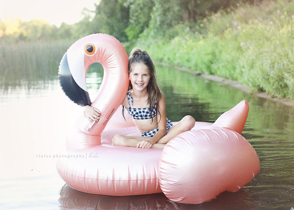 flamingofloatie.jpg