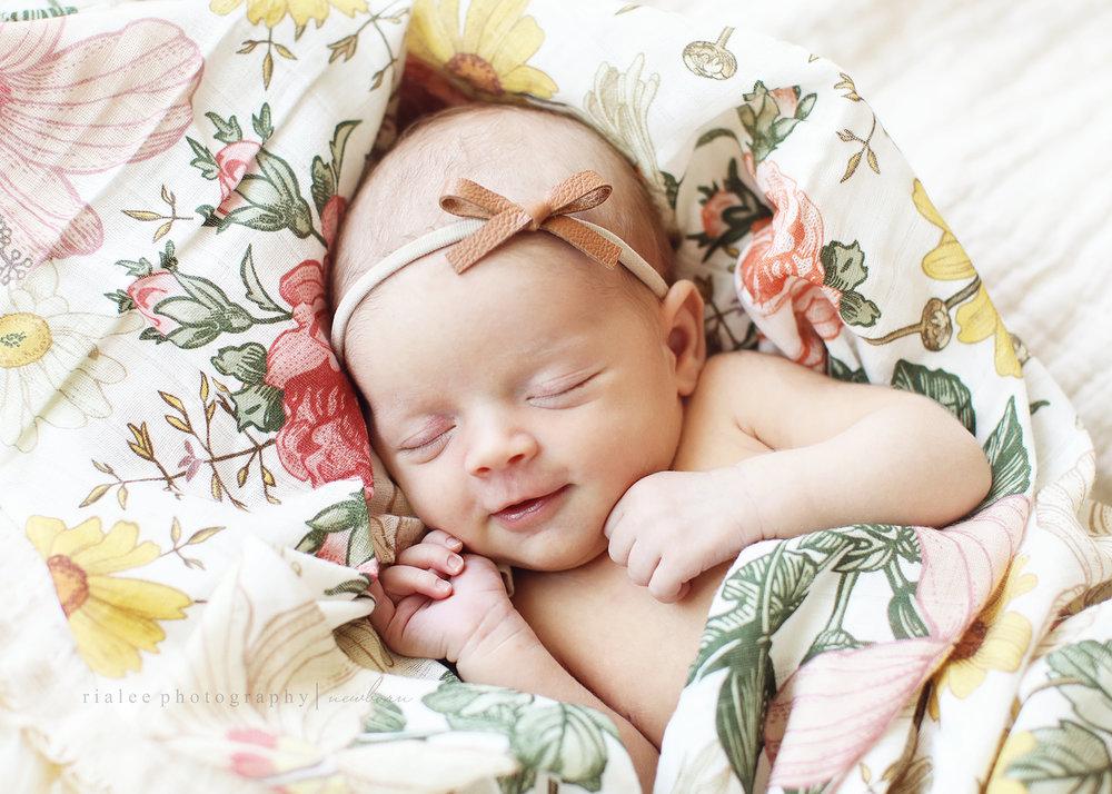 newbornphotographerfargo.jpg