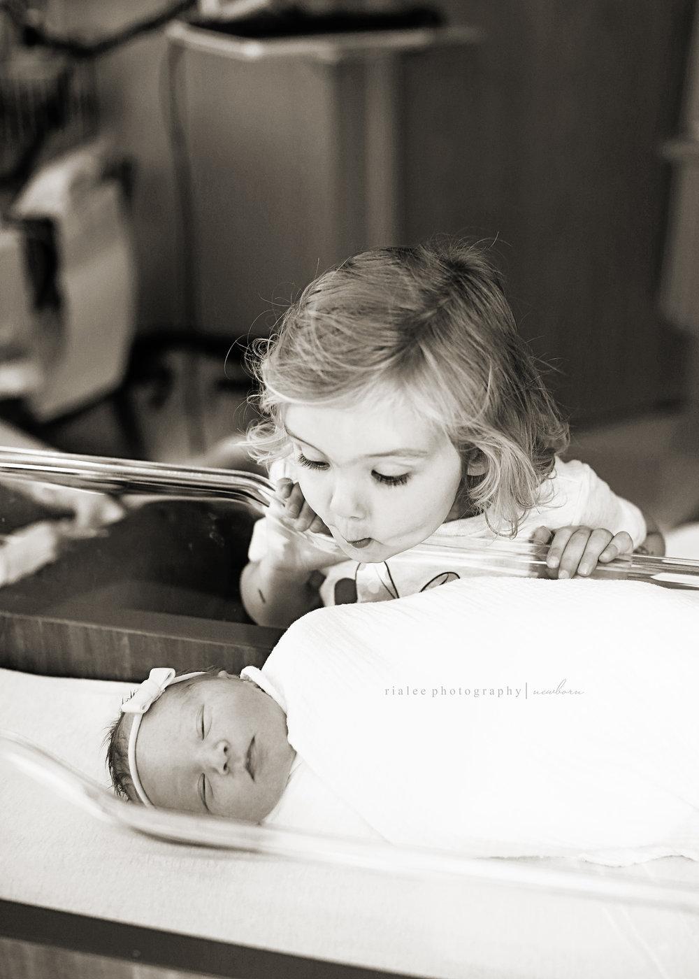 fargobirthphotographers.jpg